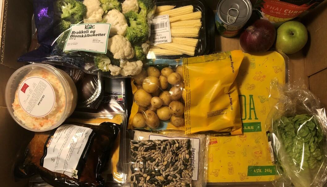 <strong>LEVERT RETT HJEM:</strong> Stor enklere enn dette får det ikke blitt når du skal handle inn til middag. Foto: Privat