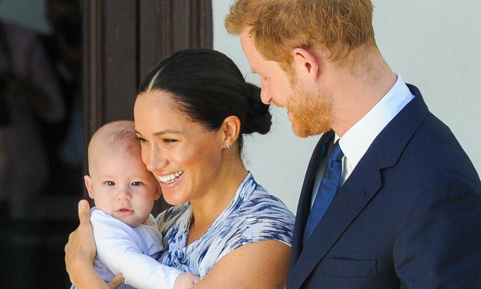 VENDER HJEM: Hertuginne Meghan og prins Harry tar med sønnen, Archie, hjem til Storbritannia i sommer for å besøke dronningen. Foto: NTB scanpix
