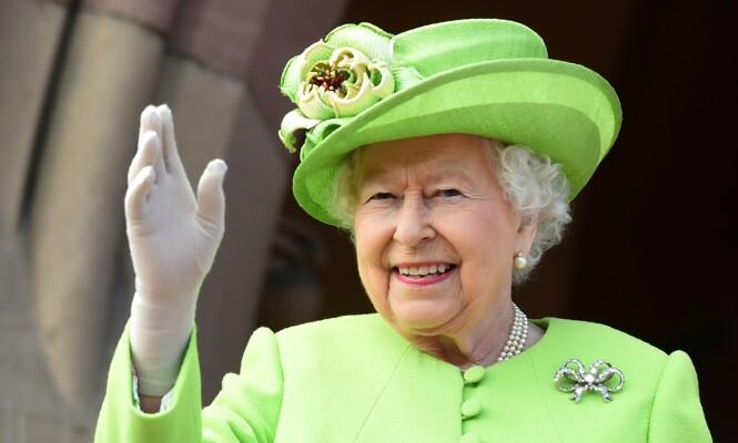 FLYTTER: Dronningen reiser til Windsor Castle tidligere enn planlagt - grunnet coronaviruset. Foto: NTB Scanpix
