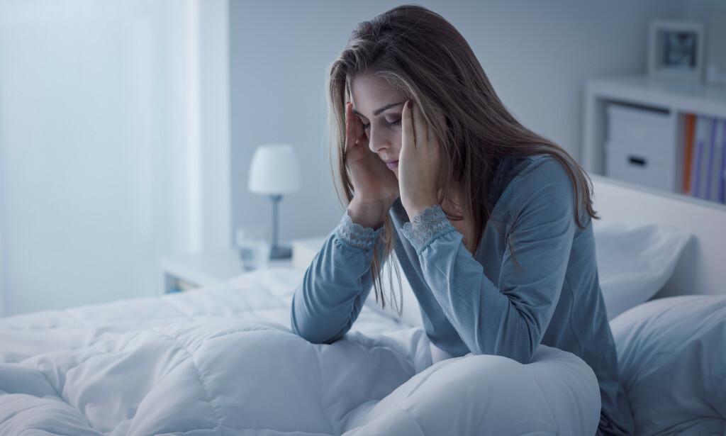 VÅKEN? Hele en av tre nordmenn sliter med søvnvansker, ifølge Helsedirektoratet. Heldigvis finnes det gode teknikker for dem som ligger våken om natta med hodet fullt av tanker. Foto: Shutterstock/NTB Scanpix