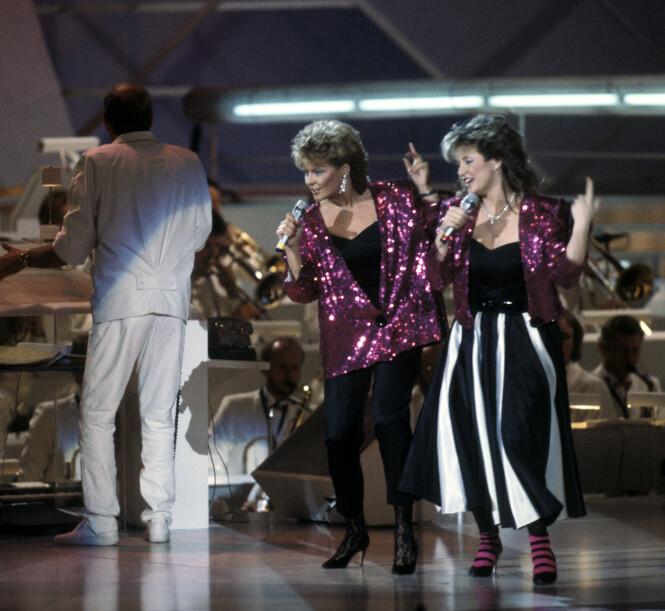 <strong>TIL TOPPS:</strong> Elisabeth og Hanne Krogh, eller Bobbysocks som de kalte seg, gikk til topps i Eurovision i 1985. Foto: NTB Scanpix