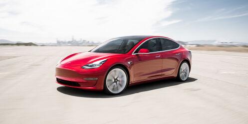 image: Blodrøde tall for Tesla