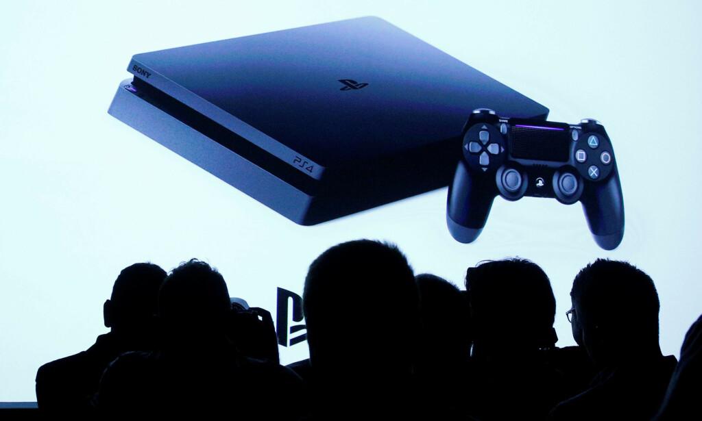 NY KONSOLL: Ettersom vi ikke har noe bilde av PlayStation 5, bruker vi et bilde av PS4. Foto: REUTERS/Brendan McDermid