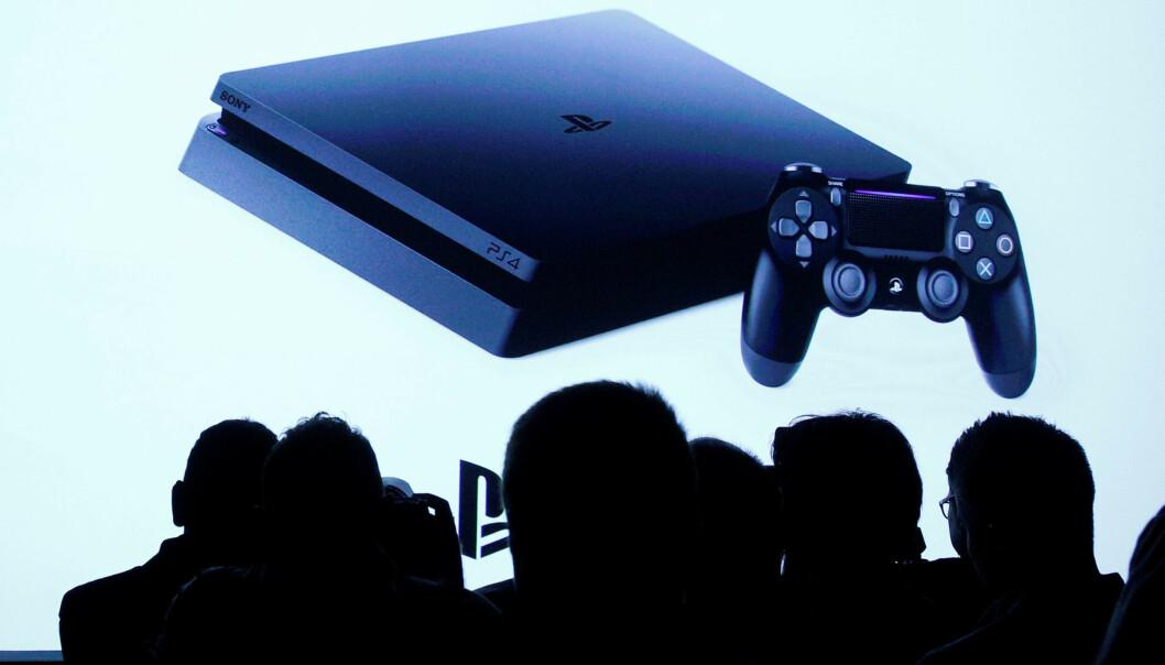 <strong>NY KONSOLL:</strong> Ettersom vi ikke har noe bilde av PlayStation 5, bruker vi et bilde av PS4. Foto: REUTERS/Brendan McDermid