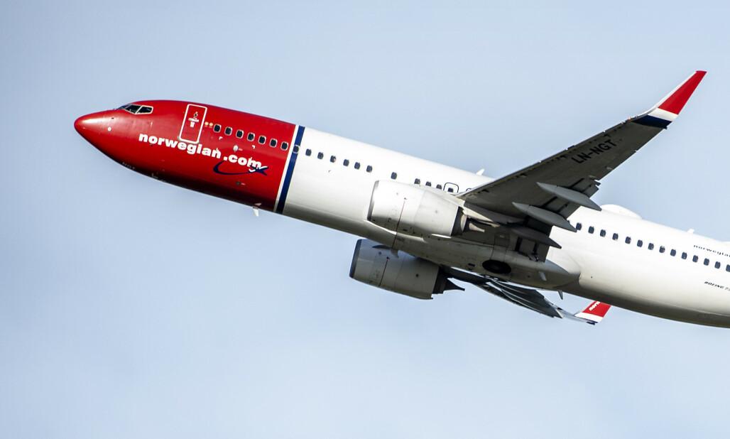20180927 Norwegian  tar av fra Gardermoen. SAS fly himmel .   Foto Hans Arne Vedlog  / Dagbladet
