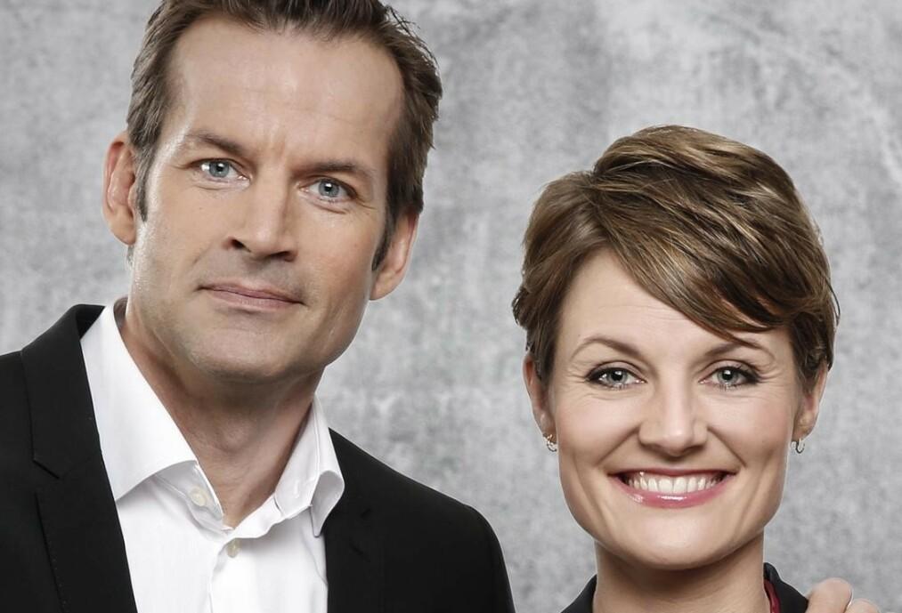 <strong>MÅ BLI HJEMME:</strong> Komiker Pernille Sørensen kan ikke delta som paneldeltaker i denne ukens «Nytt på nytt»  . Foto: NRK / Anne Liv Ekroll