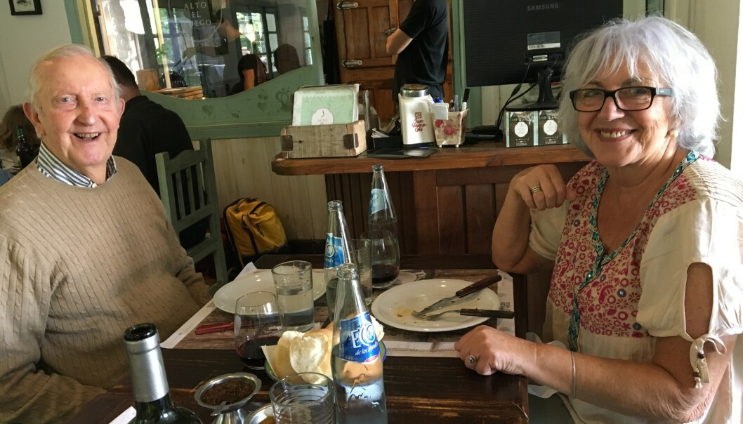 ET DEILIG LIV: Elsa Volkmer og kjæresten Alf Kirksæther snakket hele natta første gang de traff hverandre. Store deler av året nyter de livet i den argentinske byen Bariloche. Foto: Privat