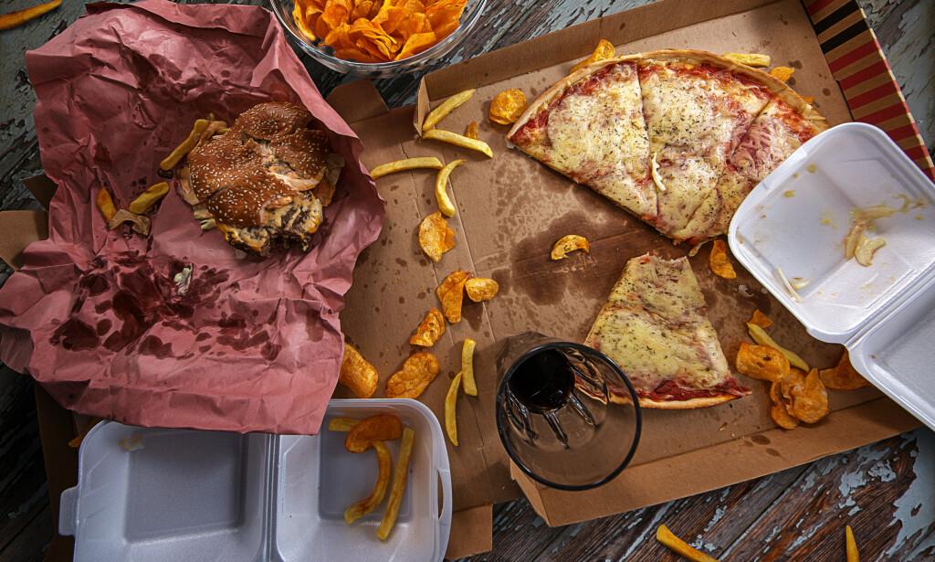 OVERSPISING: Overspisingslidelse karakteriseres av episoder med overspising og tap av kontroll over hvor mye man spiser. Maten er gjerne fet eller kaloririk. Foto: NTB Scanpix / Shutterstock