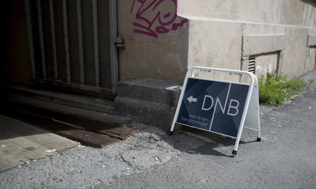 BOLIGSALGSGARANTI TILBAKE: 24. mars meldte DNB Eiendom at de kuttet boligsalgsgarantien på grunn av coronakrisen. Nå er garantien tilbake, og med tilbakevirkende kraft. Foto: NTB scanpix
