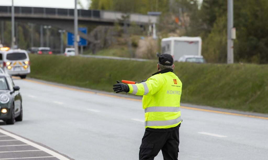 UFINT: En kontrollør ble hostet i ansiktet av en sint bilist som ble stoppet i kontroll. Illustrasjonsbilde: Håkon Mosvold Larsen / NTB scanpix.