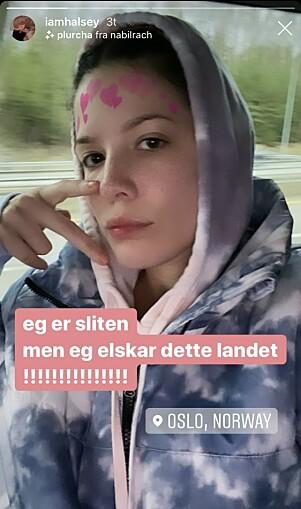 VISTE FREM: For sine 18,5 millioner følgere på Instagram skrøt artisten av norskkunnskapene. Foto: Skjermdump/ Instagram
