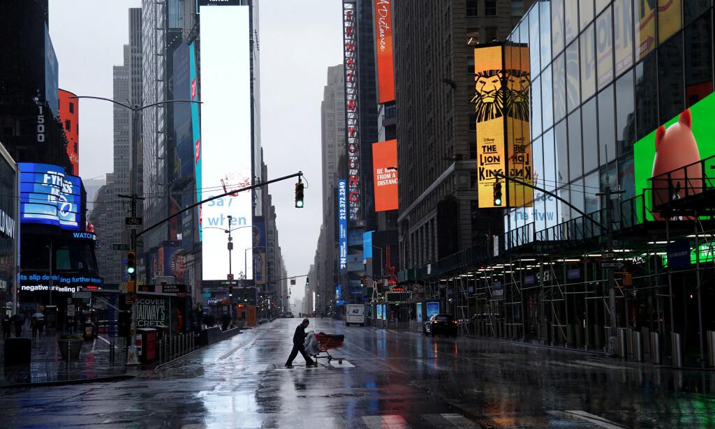 BRUTALT: Verdensøkonomien blir brutalt rammet av nedstengningene som følger coronapandemien. Flere eksperter mener verden kan stå overfor den verste økonomiske krisa siden 1930-tallet. Foto: Carlo Allegri / Reuters / NTB Scanpix