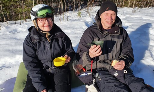 Peter Fritzson og kona på plass på fjellet. Foto: Privat.