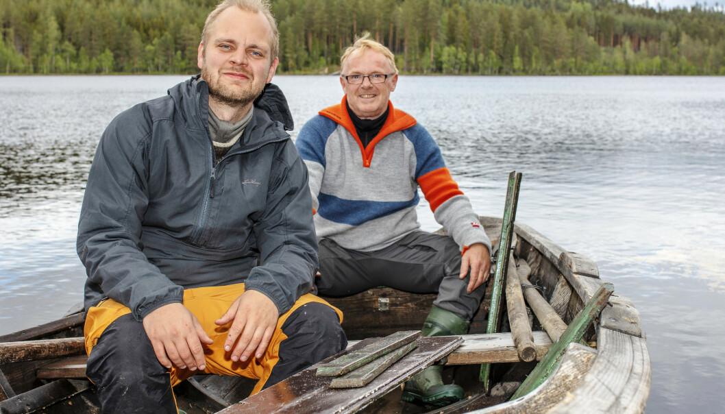 <strong>UT I NATUREN:</strong> Som deltaker i TV 2s «Farmen kjendis» får Mímir nye utfordringer. Her sammen med Per Sandberg. Foto: TV2