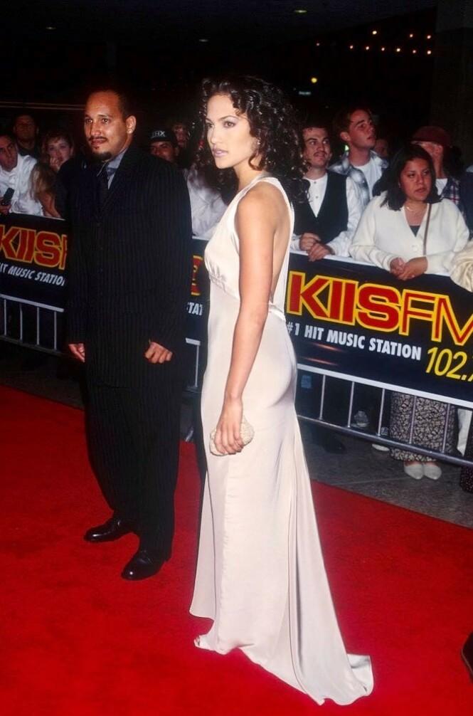<strong>EKSKJÆRESTER:</strong> Her er Daniel Cruz og Jennifer Lopez avbildet under «Money Train»-premieren i 1995. Foto: NTB Scanpix