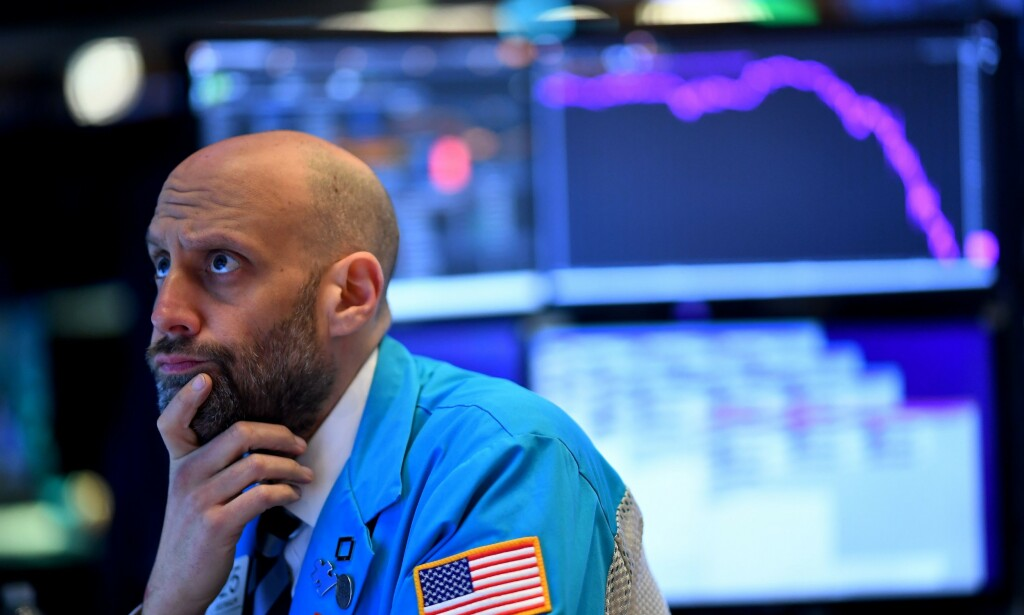 OPPTUR: Mandag hadde flere amerikanske børser den dårligste dagen på mange år. Tirsdag stiger de igjen. Foto: Johannes Eisele / AFP / NTB scanpix