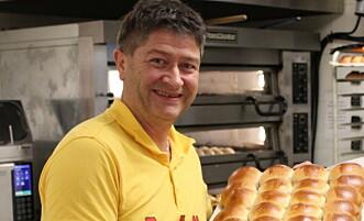 Bollesjef: Roger Danielsberg slik kundene er vant til å se ham. Foto: Øyvind Hyttemoen Dagfinrud