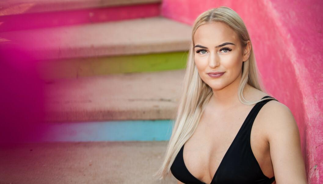 <strong>REAGERER:</strong> «Paradise Hotel»-deltaker Hanna Holterman Semb mener TV3 har holdt tilbake essensiell informasjon hun fortalte på inne på hotellet. Foto: Roy Darvik / TV3