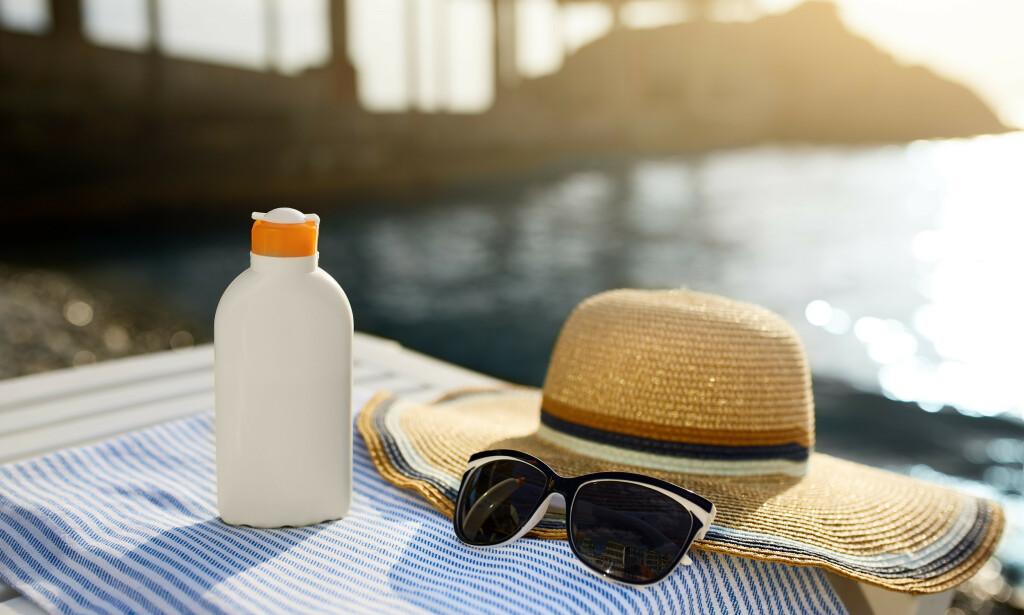 VIKTIG: God solbeskyttelse er svært viktig, spesielt for de med lys hud, som gjelder de fleste nordmenn. Foto: NTB Scanpix / Shutterstock