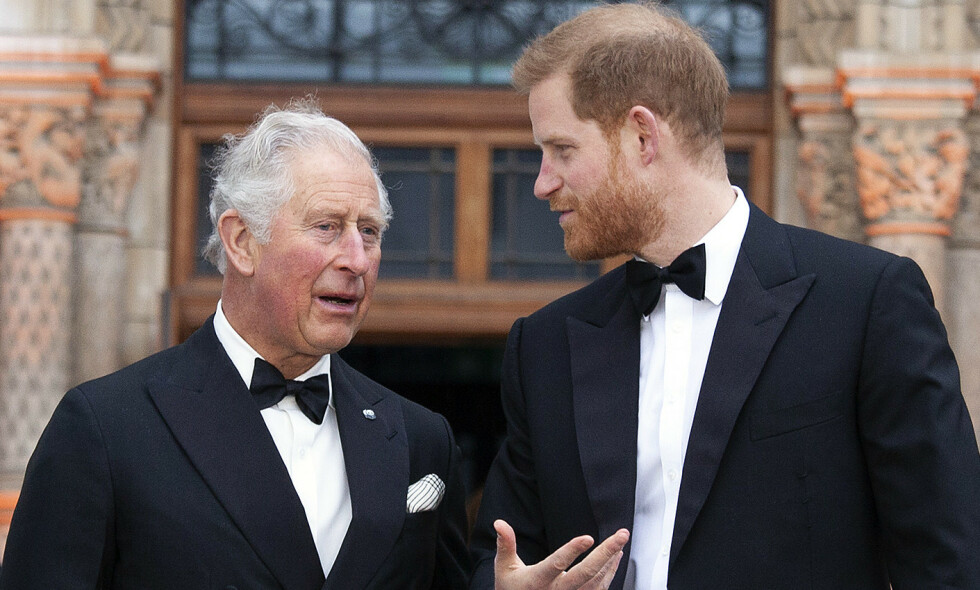 CORONASMITTET: I går ble det kjent at prins Charles har testet positivt for coronaviruset. Dette skal ha gjort prins Harry bekymret for farens helse og han skal ha hatt et ønske om å reise for å besøke faren sin. Foto: NTB Scanpix