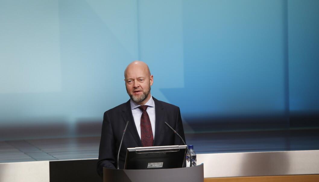 <strong>STORE TAP:</strong> Oljefond-sjef Yngve Slyngstad meldte under pressekonferansen torsdag om store tap for Oljefondet. Foto: Ole Berg-Rusten / NTB scanpix