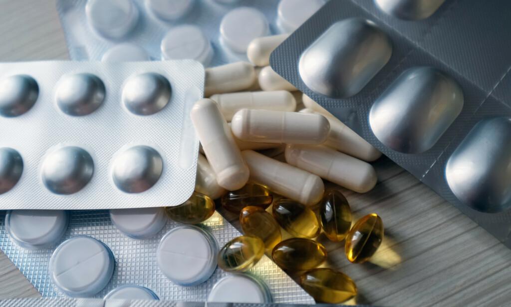 FALSKE MEDISINER: På nett selges det alt fra falske medisiner som hevdes å hjelpe mot covid-19, til smittevernsutstyr. Foto: NTB Scanpix