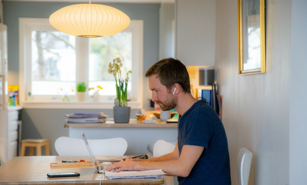 <strong>HJEMMEKONTOR:</strong> Mange nordmenn jobber hjemme om dagen. Foto: Thomas Brun / NTB scanpix