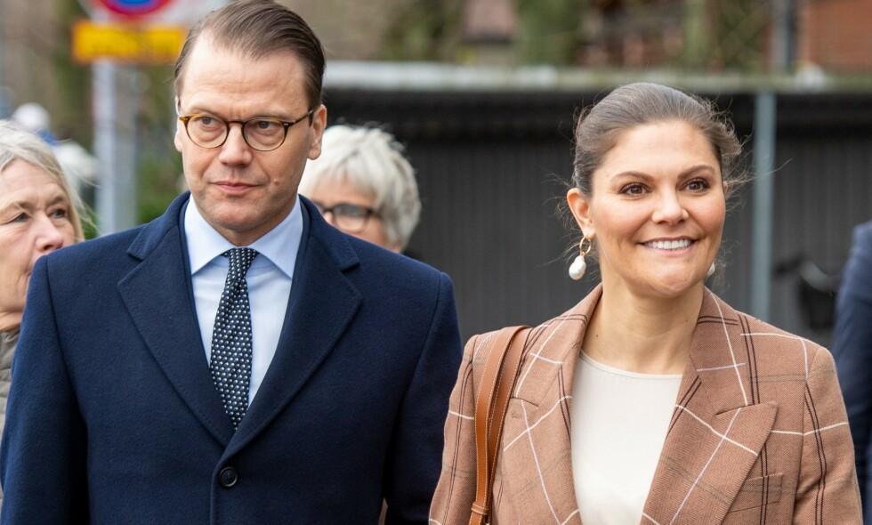 KRITISERES: Flere uttrykker misnøye til måten det svenske kronprinsparet håndterer corona-krisen. Foto: NTB scanpix