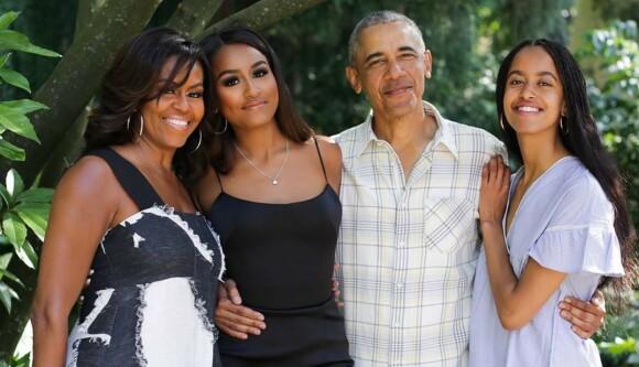 <strong>FAMILIE:</strong> Obama-familien på fire fotografert sammen. Foto: NTB Scanpix
