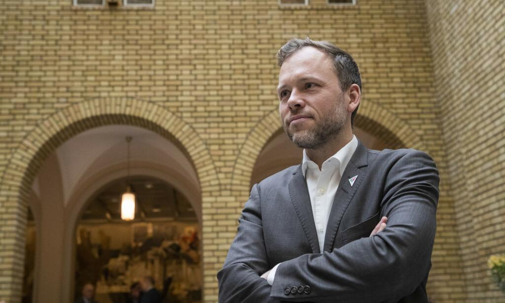 LIBERALISERER: SV- leder Audun Lysbakken og partiet går inn for store liberaliseringer i bioteknologiloven. Foto: Terje Bendiksby / NTB scanpix