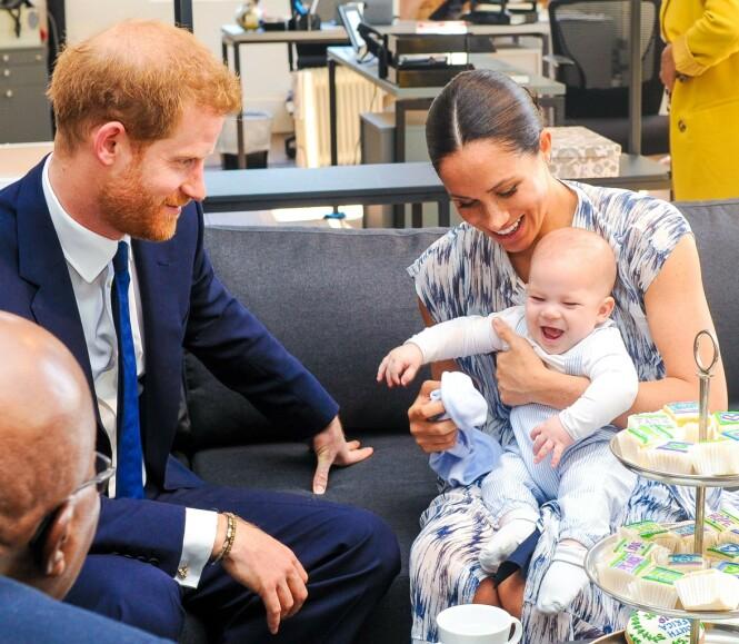 <strong>KAN KOMME ET SØSKEN:</strong> Hertugparet planlegger angivelig å få et barn til. Her avbildet sammen med sønnen Archie. Foto: NTB Scanpix