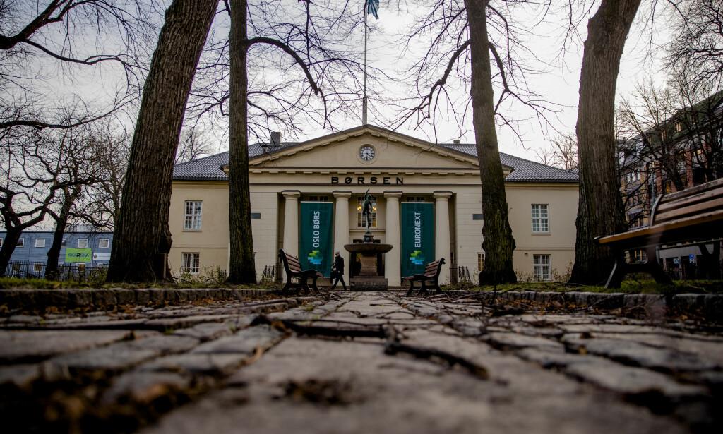 USIKKERHET: Usikkerheten preger fortsatt Oslo Børs ved starten av en ny uke. Foto: Stian Lysberg Solum, NTB scanpix