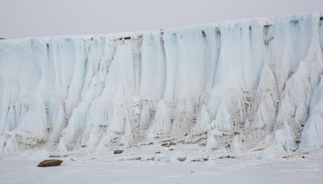 De fleste forbinder Antarktis med is og kulde, som her ved den norske forskningsstasjonen Troll, men i januar opplevde kontinentet sin første offisielle hetebølge, og månedene etter ble det satte nye varmerekorder. For første gang viste termometeret over 20 grader. Arkivfoto: Tore Meek / NTB scanpix