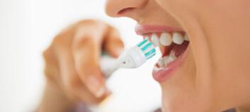- Voksne må lære å pusse tennene på nytt