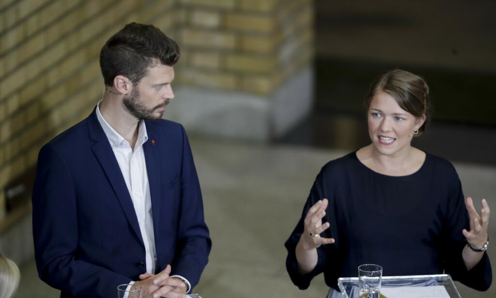 UTELATT: Bjørnar Moxnes (R) og Une Bastholm (MDG) fikk ikke være med på forhandlingene mandag. Foto: Vidar Ruud / NTB scanpix