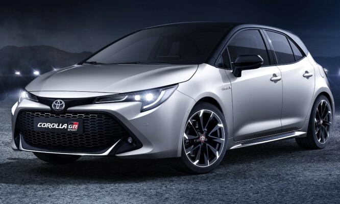<strong>TØFF:</strong> Dagens Corolla GR Sport ser allerede bra ut, men forvent en GR-logo i grillen, som vil være mer åpen enn her. Fronten vil gå dypere med mer markert spoiler og tåkelysene vil sannsynligvis bli enda mer markerte. Foto: Toyota.