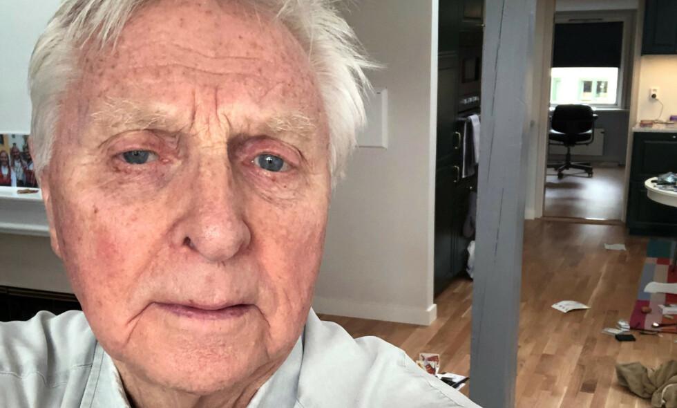 «SPERRET INNE»: Arve Tellefsen forholder seg til myndighetenes anmodninger, og er mye inne sammen med kona og døtrene - og «resten» av Norge. Han legger ikke skjul på at han er engstelig og urolig. Foto: Arve Tellefsen/selfie
