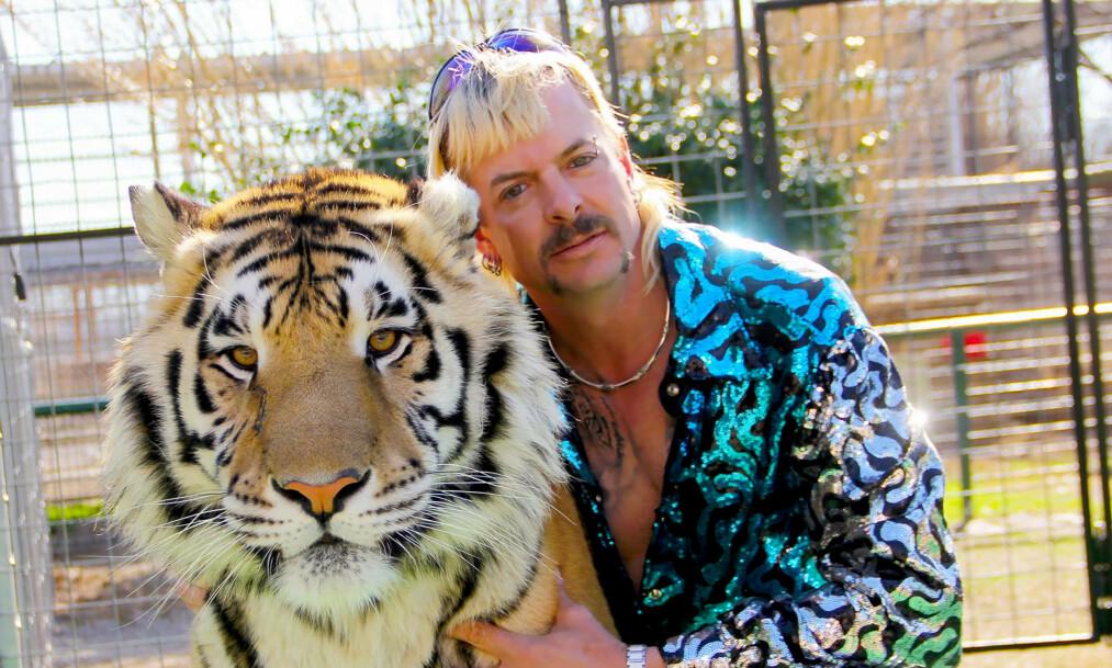 <strong>ISOLERT:</strong> Den fjerde ektemannen til Joe Exotic bekrefter at «Tiger King»-stjernen sitter i isolasjon og at de ikke får snakket sammen. Foto: Netflix