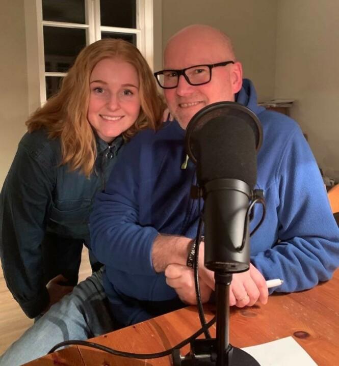 FAR OG DATTER: I første episode av Alle våre dager-podkasten har Ingrid Vatnar Eikje snakket med faren sin om døden. Det ble et spesielt nær og gripende podkast-episode. FOTO: Privat