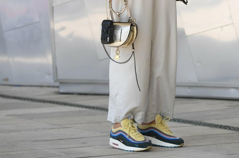 SNEAKERS: Vi elsker disse skoene og har gjerne både spreke og enkle varianter i garderoben. Foto: NTB Scanpix
