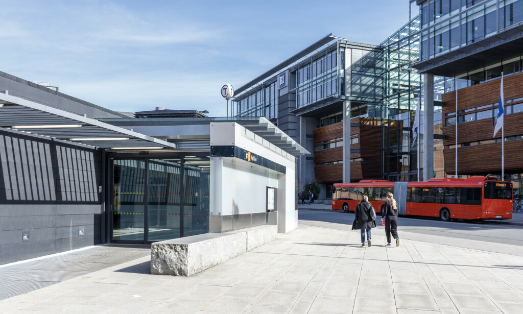 HER SKJEDDE RANET: Nydalen t-banestasjon i Oslo. Foto: Svein Nordrum / NTB scanpix