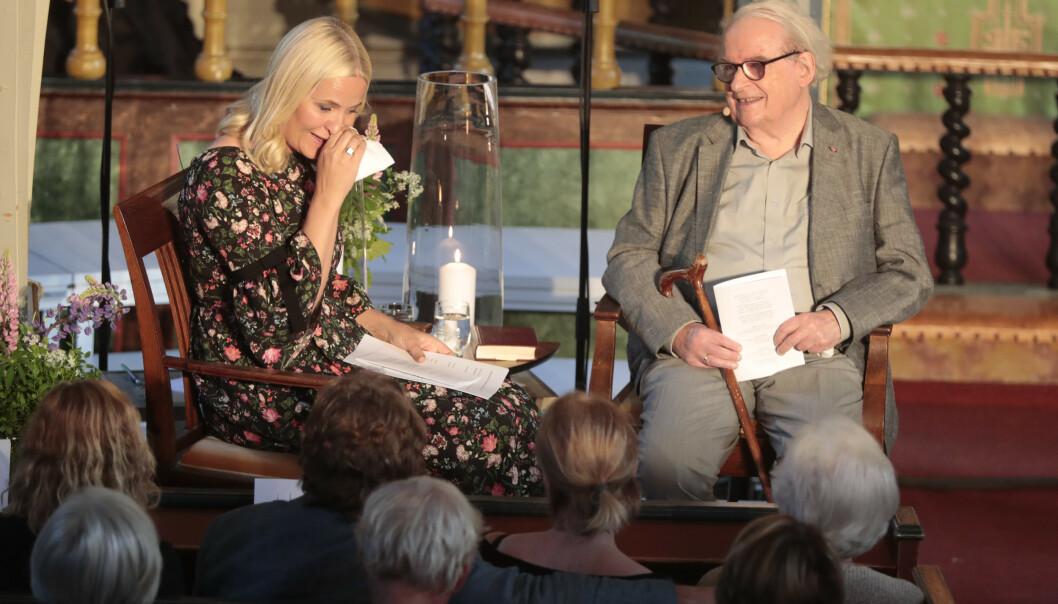 Svein Ellingsen møtte kronprinsesse Mette-Marit i Dypvåg kirke i Tvedestrand i forbindelse med Litteraturtoget 2017. Foto: Lise Åserud / NTB scanpix