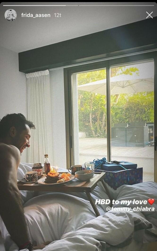 <strong>MORGENSTUND:</strong> I anledning Tommaso Chiabras bursdag fikk han frokost servert på sengen av Frida Aasen. Foto: Skjermdump fra Instagram/frida_aasen