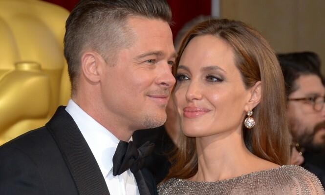 <strong>STØTTER HVERANDRE:</strong> I 2016 gikk Angelina og Brad Pitt hver til sitt, men nå er de sammen for barnas skyld på sykehuset. Foto: NTB Scanpix