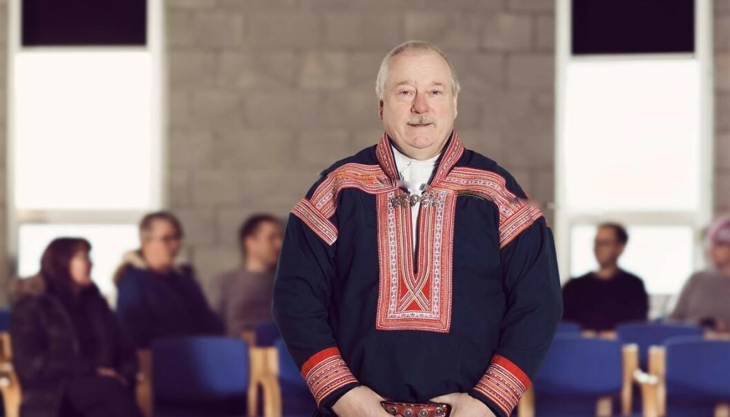 <strong>REDD:</strong> Kautokeinos ordfører Hans Isak Olsen (62) forteller at han er bekymret. Foto: Marie Louise Somby / Kautokeino kommune