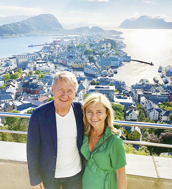 <strong>PÅ TURNÉ:</strong> Anne og Rune har reist mye rundt i forbindelse med plateslippet, her i Ålesund i fjor. Anne er selv sunnmøring.