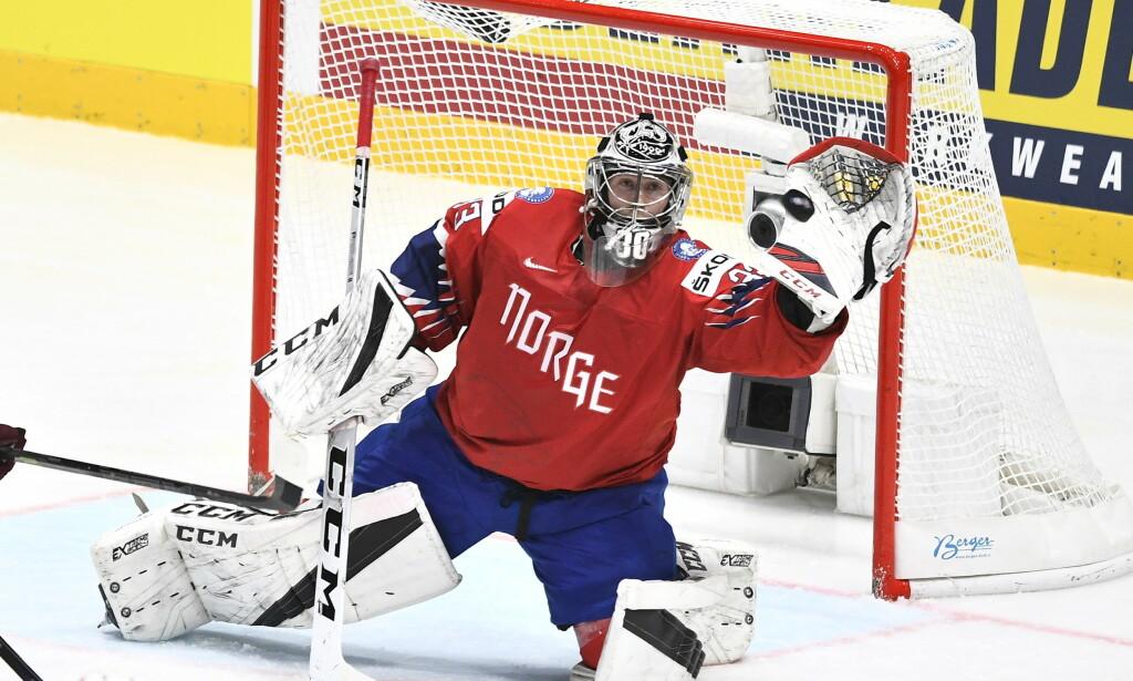 TIL SVERIGE: Henrik Haukeland - her fra VM-kampen mellom Norge og Latvia. Foto: NTB Scanpix