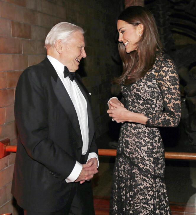<strong>GODE VENNER:</strong> Hertuginne Kate og Attenborough har flere ganger gjennom årenes gang bevist at de har et godt forhold. Foto: NTB Scanpix