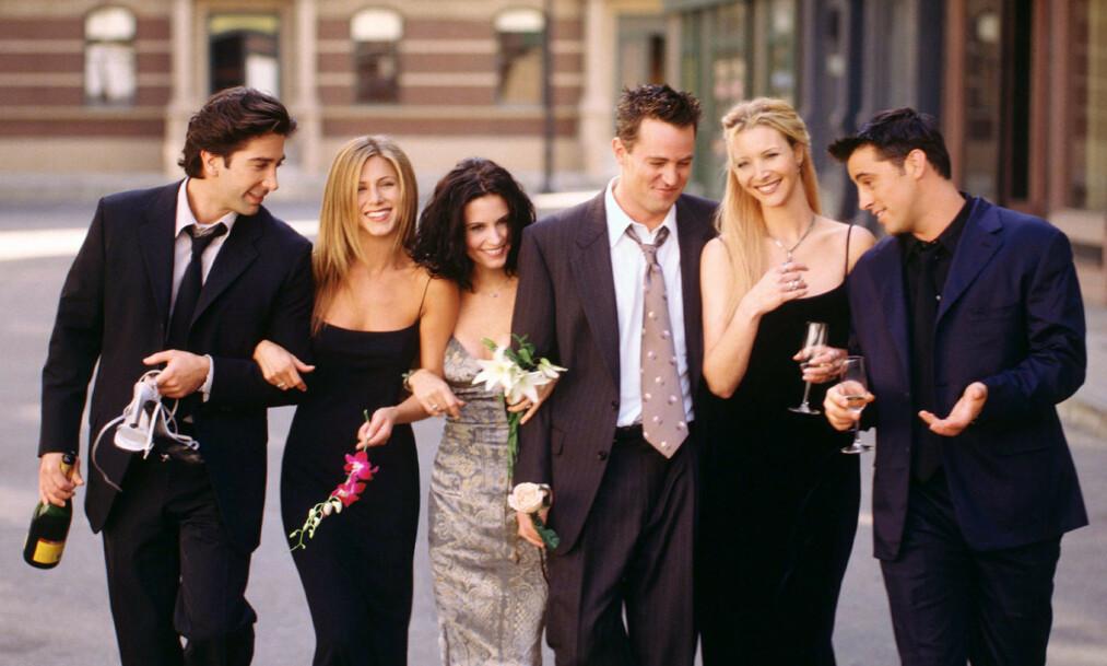 <strong>SAMLES:</strong> «Friends»-skuespillerne David Schwimmer, Jennifer Aniston, Courtney Cox, Matthew Perry, Lisa Kudrow og Matt LeBlanc dukker atter opp på skjermen samlet. Når det blir, er derimot ukjent. Foto: NTB scanpix