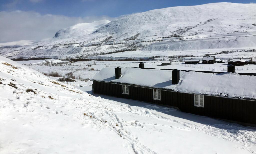 TROSSET OPPFORDRINGEN: På Øvre Dørålseter Turisthytte i Rondane ble Paul Rindal møtt med fulle søppelsekker og tomme skap. Foto: Privat